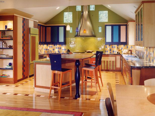 Симпатичная и функциональная кухня