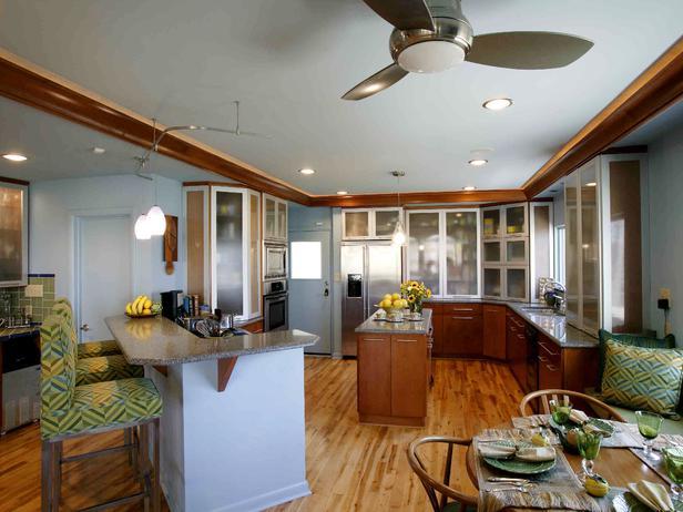 Угловой кухонный островок